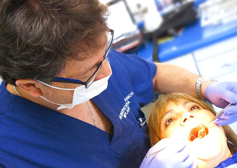 dentista-implantes-mauricio-carcamo-curriculum